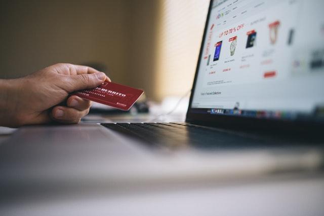 black-friday-buy-credit-card-34577